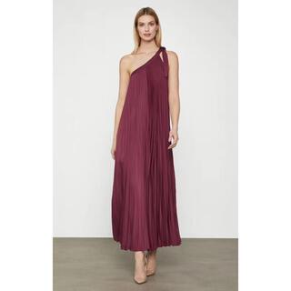 ビーシービージーマックスアズリア(BCBGMAXAZRIA)の❤️ BCBGMAXAZRIA2020新作新品 赤ロングワンピース ドレス(ロングワンピース/マキシワンピース)