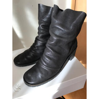 ミナペルホネン(mina perhonen)のエバゴスebagos❤︎ショートブーツポニー黒24.5(ブーツ)