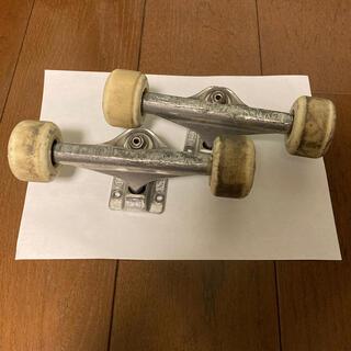 インディペンデント(INDEPENDENT)のindependent HOLLOW SILVER(スケートボード)