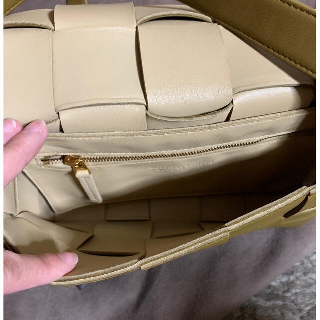 Bottega Veneta(ボッテガヴェネタ)のゆかりーぬ様専用 正規ボッテガヴェネタ 人気のカセットバッグ 超美品 レディースのバッグ(ショルダーバッグ)の商品写真