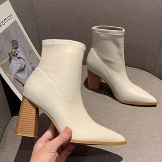 H&M - アンクルブーツ(ホワイトベージュ)ショートブーツ