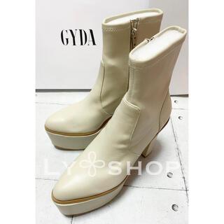 ジェイダ(GYDA)のGYDA 新品 Basicバルキーショートブーツ アイボリー Lサイズ(ブーツ)