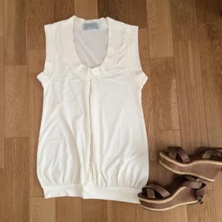 ノックアウト(KNOCKOUT)のetendue☆新品ホワイトトップス(Tシャツ(半袖/袖なし))