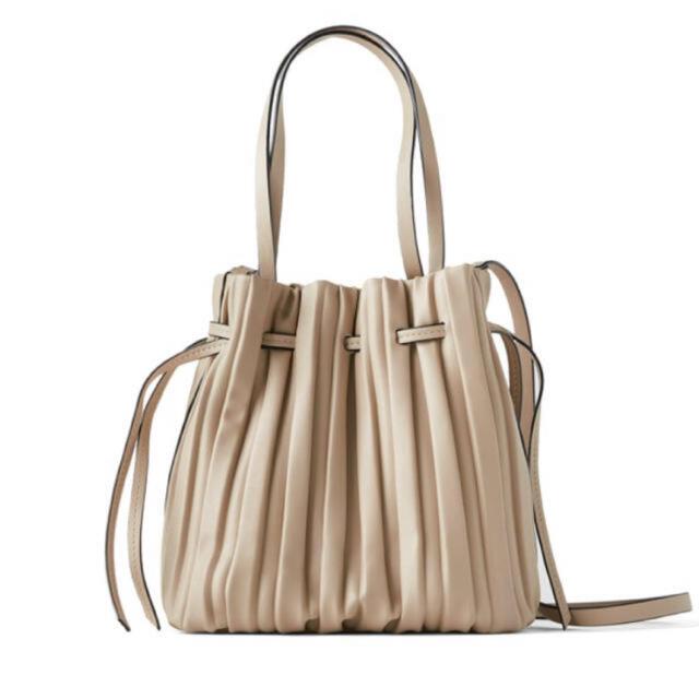 ZARA(ザラ)のZARA プリーツバッグ レディースのバッグ(ショルダーバッグ)の商品写真