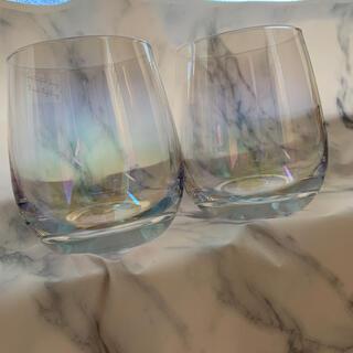 スリーコインズ(3COINS)のオーロラグラス2つセット(グラス/カップ)