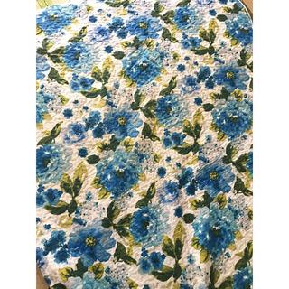 ローラアシュレイ(LAURA ASHLEY)のアンジャルダン キルティングマルチカバー 花 ブルー 260cm×198cm(ソファカバー)