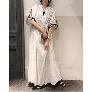 mame - mame kurogouchi 刺繍タックワンピース