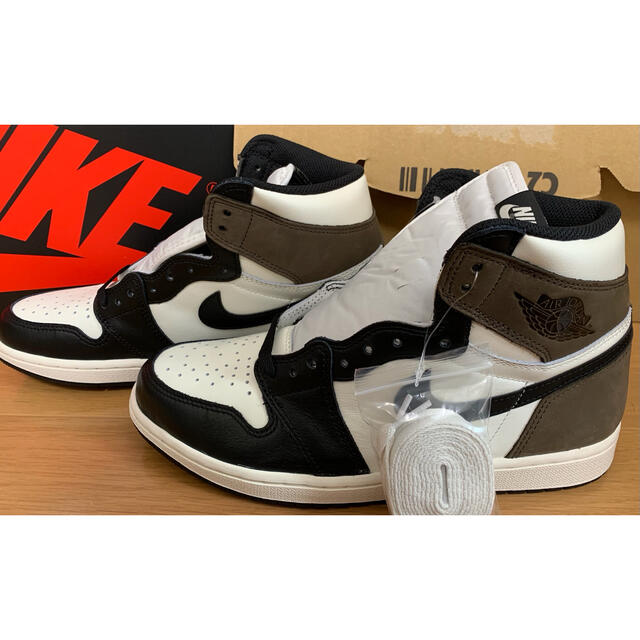NIKE(ナイキ)のエア ジョーダン 1 レトロ HIGH OG  メンズの靴/シューズ(スニーカー)の商品写真
