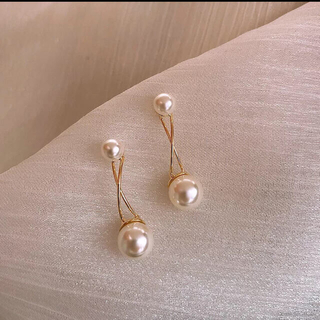 AHKAH - パールピアス ゴールド クロス Pearl pierce gold cross