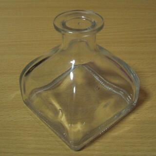 オゥパラディ(AUX PARADIS)の香水 空き瓶 ガラス瓶 遮光瓶 アトマイザー オゥパラディ シトロン ラベル掠れ(その他)