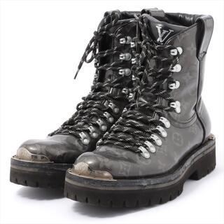 ルイヴィトン(LOUIS VUITTON)のヴィトン LVアウトランドライン パテントレザー 6 グレー メンズ ブー(ブーツ)