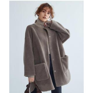 ミラオーウェン(Mila Owen)のノーカラーシャツカーブボアジャケット(毛皮/ファーコート)