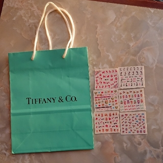 ティファニー(Tiffany & Co.)の【バラ/値下げ/即購入不可】TIFFANYショッパーズ/Barbieネイルシール(ショップ袋)