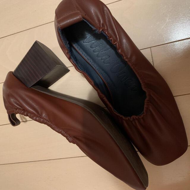 Mila Owen(ミラオーウェン)のギャザーソフトパンプス レディースの靴/シューズ(ハイヒール/パンプス)の商品写真