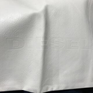 ディーゼル(DIESEL)のDIESEL カバン 合皮製の袋  白色(その他)