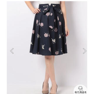 ファビュラスアンジェラ(Fabulous Angela)のファビュラスアンジェラ 花柄スカート(ひざ丈スカート)