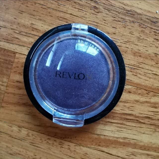 REVLON(レブロン)のレブロン REVLON アイシャドウ 濃紫 パープル 紫  コスメ/美容のベースメイク/化粧品(アイシャドウ)の商品写真