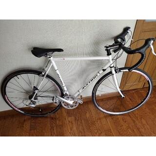 ブリヂストン(BRIDGESTONE)のANCHOR rnc3 Sora 550 ロードバイク パールホワイト クロモリ(自転車本体)