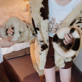 ロキエ(Lochie)のmoo-moo cow fur coat treat urself(毛皮/ファーコート)