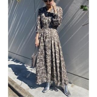 アメリヴィンテージ(Ameri VINTAGE)のAmeri VINTAGE MONA DESIGN NECK DRESS(ロングワンピース/マキシワンピース)