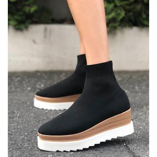 ZARA - ♡ Jagged fitsox boots ♡
