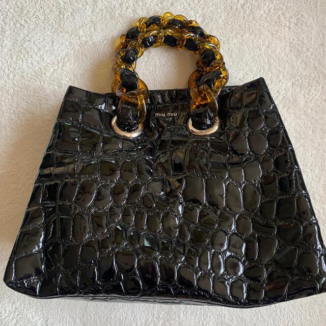 miumiu(ミュウミュウ)のmiumiu  ❤️ ミュウミュウ  パテント エナメル べっ甲 バッグ レディースのバッグ(トートバッグ)の商品写真