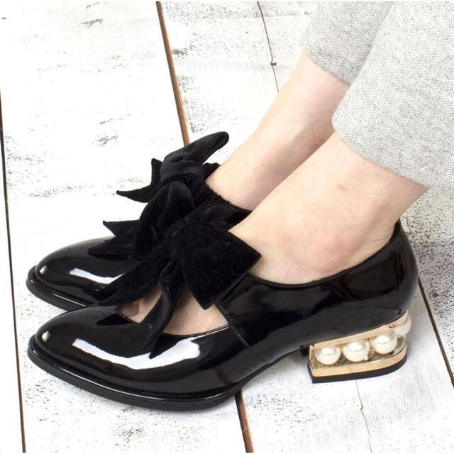 JEFFREY CAMPBELL(ジェフリーキャンベル)のジェフリーキャンベル デザインヒールベルベットリボンシューズ(ブラック) レディースの靴/シューズ(ハイヒール/パンプス)の商品写真