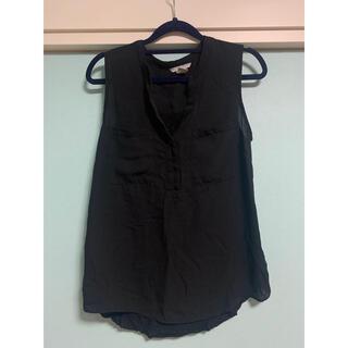 エイチアンドエム(H&M)のブラックブラウス(シャツ/ブラウス(半袖/袖なし))