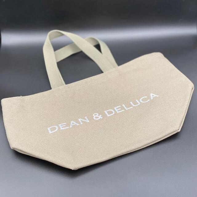 DEAN & DELUCA(ディーンアンドデルーカ)のDEAN&DELUCA 2020限定 チャリティトートバッグ エコバッグ レディースのバッグ(トートバッグ)の商品写真