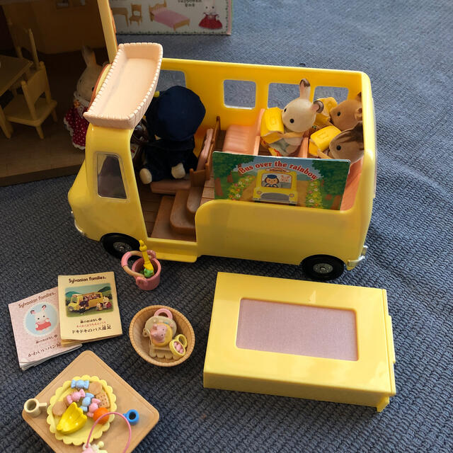 シルバニアファミリー お家、幼稚園バス、そのほか キッズ/ベビー/マタニティのおもちゃ(ぬいぐるみ/人形)の商品写真