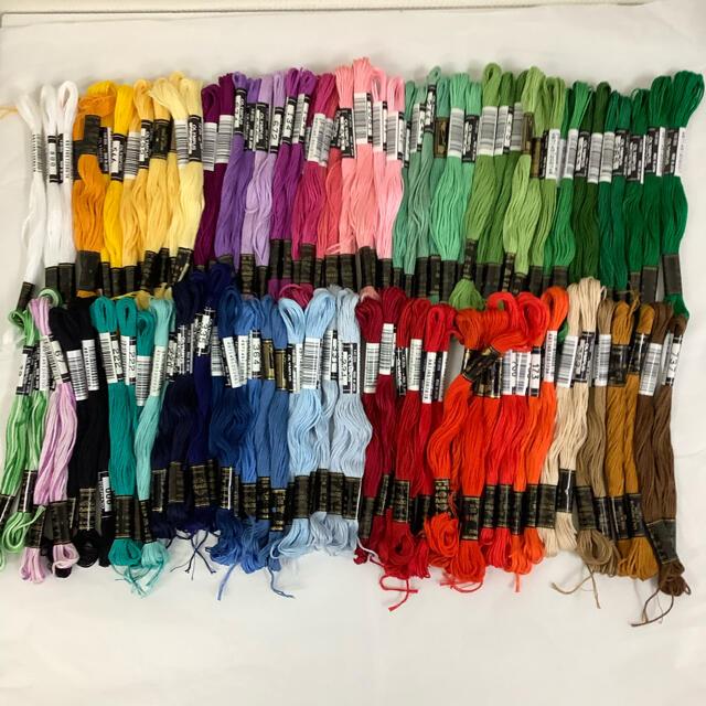 OLYMPUS(オリンパス)のオリンパス刺繍糸 100本 ハンドメイドの素材/材料(生地/糸)の商品写真