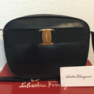 Salvatore Ferragamo - 美品♡Ferragamoフェラガモ ヴァラ レザー ショルダーバッグ