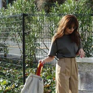 マザー(mother)の新品未使用 FORME Tシャツ カーキ 東原亜希さん サイズ1(Tシャツ(半袖/袖なし))