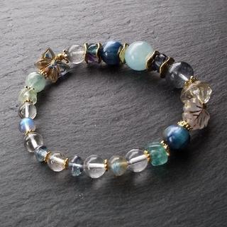 「青蝶の棲む森」アクアマリンとカイヤナイトの天然石ブレスレット(ブレスレット/バングル)