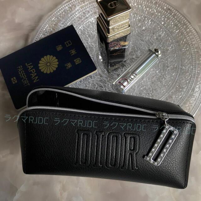 Dior(ディオール)の【新品未使用】ディオール レザー調 スクウェアポーチ ブラック 海外限定 レディースのファッション小物(ポーチ)の商品写真
