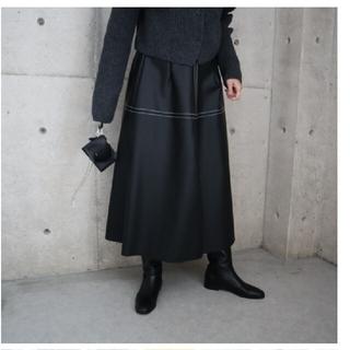 【新品タグ付き】eLLa エコレザーフレアスカート