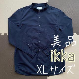 イッカ(ikka)のikka イッカ ノーカラーシャツ 紺色 XLサイズ(シャツ)