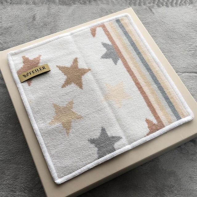 FEILER(フェイラー)の新品 フェイラー タオルハンカチ 星 FEILER  レディースのファッション小物(ハンカチ)の商品写真