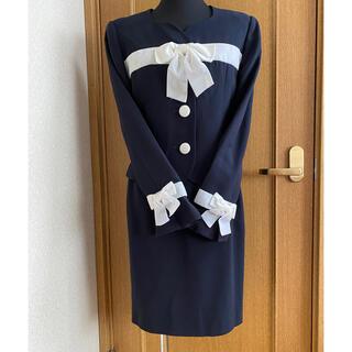 エムズグレイシー(M'S GRACY)の5万以上☆極美品セットアップスーツ☆ベルベットリボン付濃紺エムズグレイシー好きに(スーツ)