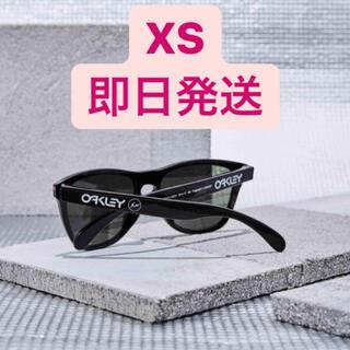 フラグメント(FRAGMENT)のOAKLEY × FRAGMENT DESIGN  FROGSKINS xs(サングラス/メガネ)