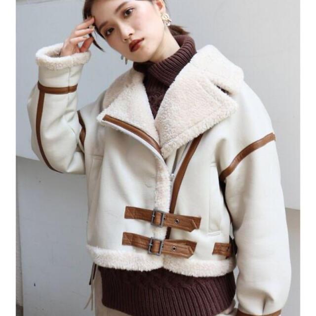 MURUA(ムルーア)のムルーア ベルトフェイクムートンブルゾン新品 レディースのジャケット/アウター(ムートンコート)の商品写真