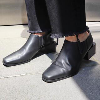 エモダ(EMODA)のボックスヒールシューズ 完売商品 sサイズ ERDAR(ローファー/革靴)