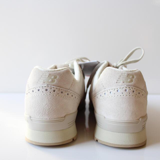 New Balance(ニューバランス)の新品 ニューバランス WL996 PRA アイボリー 24.0cm レディースの靴/シューズ(スニーカー)の商品写真