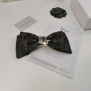 Dior - Diorディオール弓のヘアピン 黒
