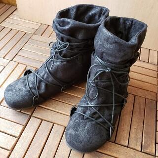 アンドイット(and it_)のスウェード調レースアップブーツ イベント コスプレ 黒(靴/ブーツ)