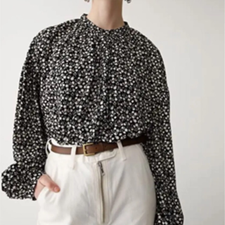 moussy - moussy マウジー PETITE FLOWER BLOUSE