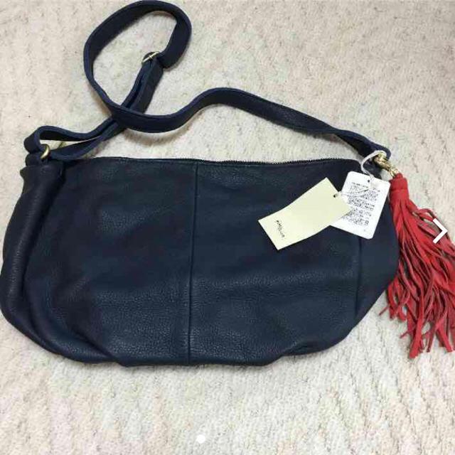 PAPILLONNER(パピヨネ)の今だけお値下げPAPILLONNER牛皮バッグ レディースのバッグ(ショルダーバッグ)の商品写真