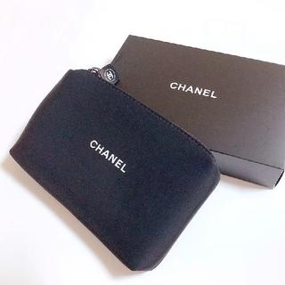 CHANEL - CHANEL シャネル ウェット素材  ブラック限定ポーチ