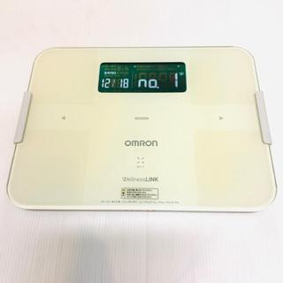 オムロン(OMRON)のオムロン 体重計 体組成計 HBF-252F クリーム色(体重計)