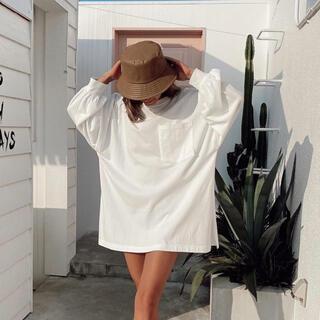 アリシアスタン(ALEXIA STAM)のALEXIASTAM ロンT ホワイト 新品未使用 タグ付き(Tシャツ/カットソー(七分/長袖))